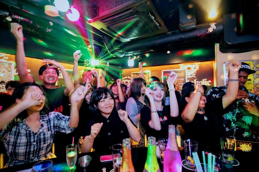 https://bar-rockaholic.jp/shibuya/blog/20190831225424_IMG_1539.JPG