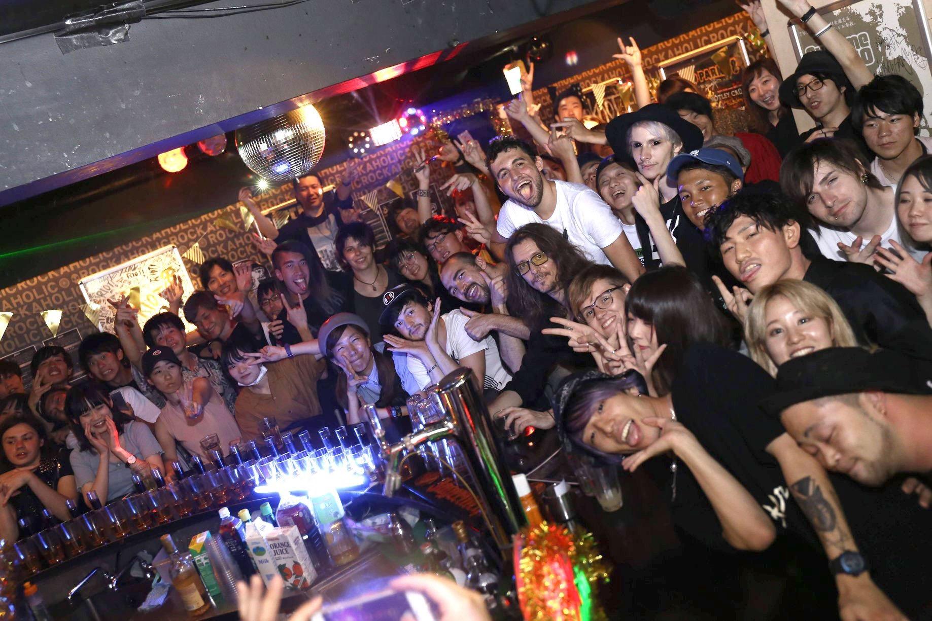 https://bar-rockaholic.jp/shibuya/blog/24D43711-8195-4D2C-BBDA-3401443FEFB3.jpeg