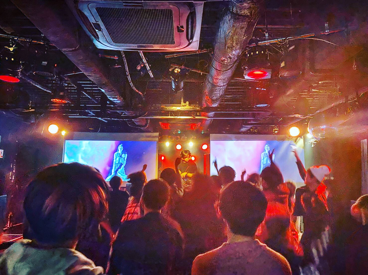 https://bar-rockaholic.jp/shibuya/blog/8FA4236C-B30A-4BDB-94C8-414621662099.jpeg
