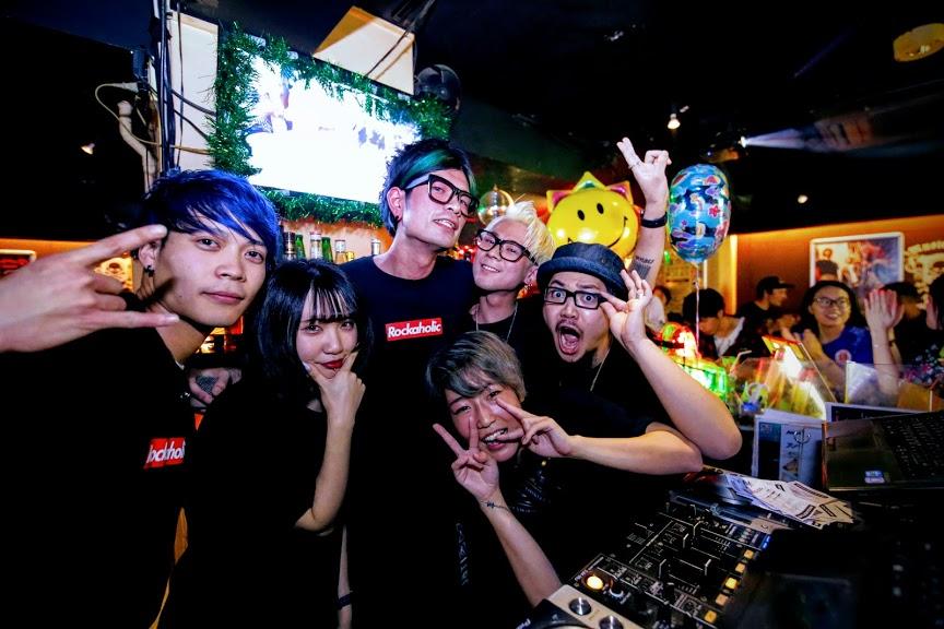 https://bar-rockaholic.jp/shibuya/blog/93463EDF-8931-4571-BE77-7A09F747F9C1.jpeg